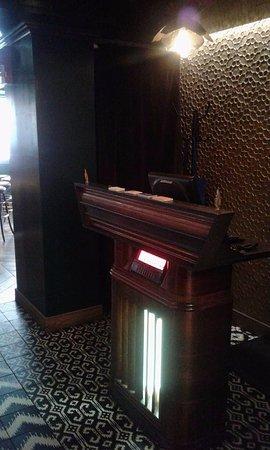 Kimpton Carlyle Hotel: Hotel Bar/Resturant