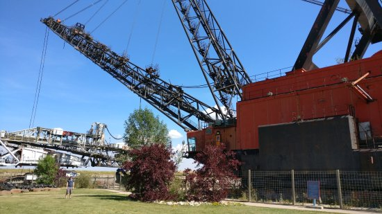 Fort McMurray, Canada: The Discovery Dragline