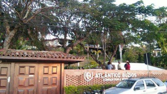Atlantico Buzios Hotel: fundos, com acesso a praia