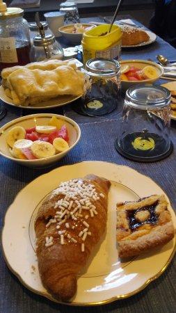 Campo Ligure, Italy: Petit déjeuner copieux