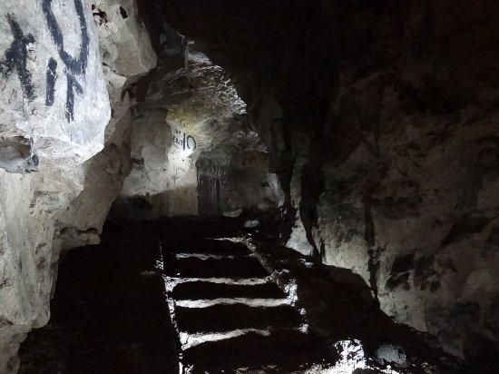 Arras, Francia: Ces escaliers de pierre étaient des sortes d'échelles de tranchée