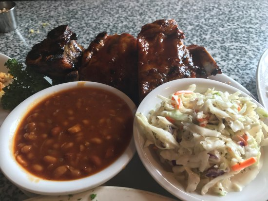 Chicago For Ribs: Rib Combo special with two sides (beans and cole slaw)