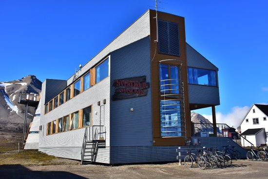 "Ny Alesund, Norwegia: ""Office"" building"