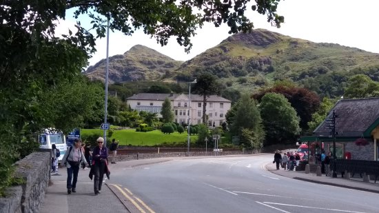 A View Of The Royal Victoria Hotel Llanberis From The Main Road