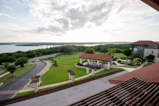 Opinion Vintage villas on lake travise final