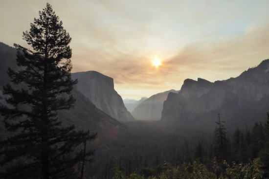 Fish Camp, كاليفورنيا: Tunnel View - early morning