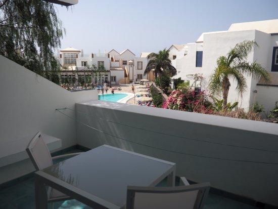 Apartamentos THe Morromar : terrasse associée au séjour vraiment agréable