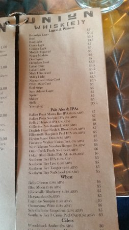 Olean, NY: Nice selections of beers ,wines and whiskey