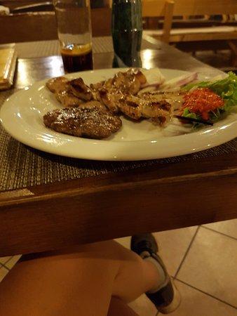 Pakostane, Croácia: Mixed grill plate