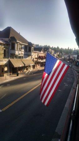 Placerville, Californien: view from public 2nd floor porch