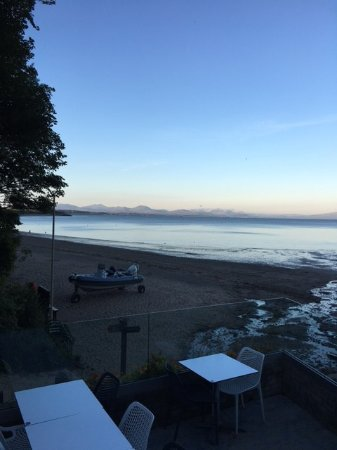 Llanbedrog, UK: View of the beach from our table