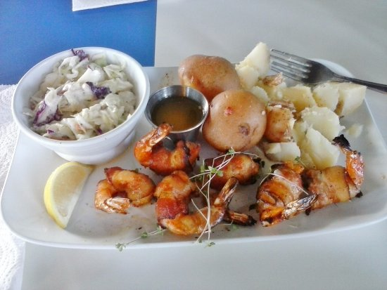 Montgomery, TX: Tiny Shrimp Brochette with steamed Red potatoes and Cole slaw.