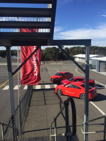 Ventnor, Australien: Australias best track and the view is sensational You can't miss PI GP circuit....heaps to do he