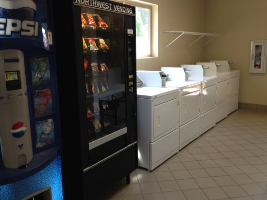 Canyonville, OR: Laundry rooms