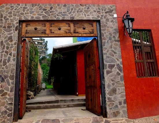 Amatitan, Mexico: The entrance...important because there is no sign or street number!