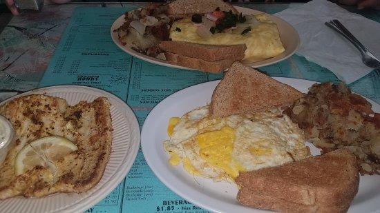 Pat's Riverfront Cafe: 20170806_112346_large.jpg
