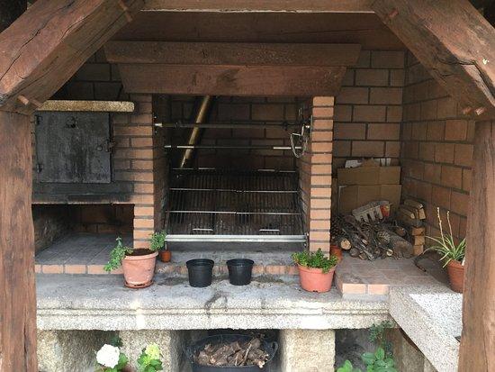 Casa da Solaina: PARRILLA Y HORNO