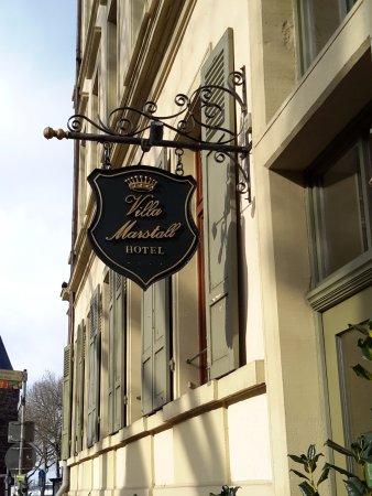 Hotel Villa Marstall: Outside the front door.