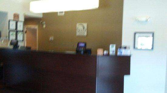 Woodbridge, VA: check in counter