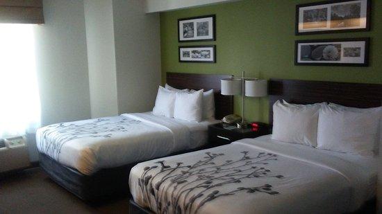 Woodbridge, VA: double bed room