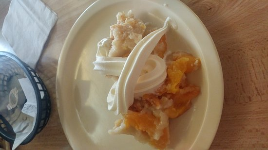 Metter, GA: Peach cobbler and ice cream