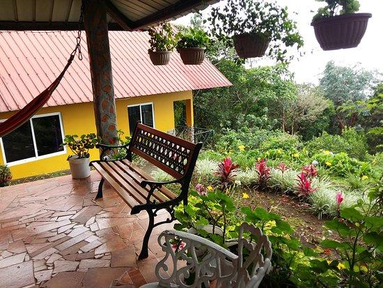 Cabanas El Parador: Gacebo y cabaña familiar