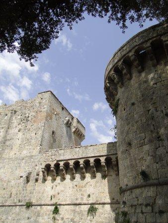 Sarteano, อิตาลี: Un lato del castello