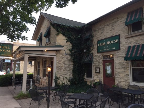Middleton, WI: An old historic venue serving great food and drink