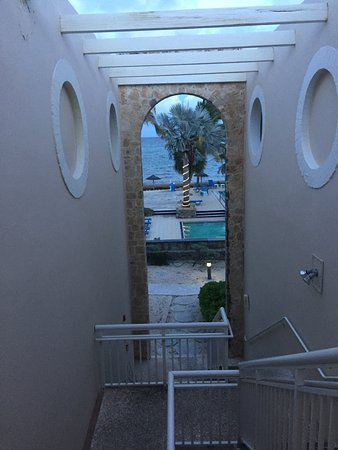 Divi Carina Bay All Inclusive Beach Resort: Stairway to the pool from 2nd floor