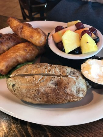 Ottertail, MN: Willy T's Tavern & Grill