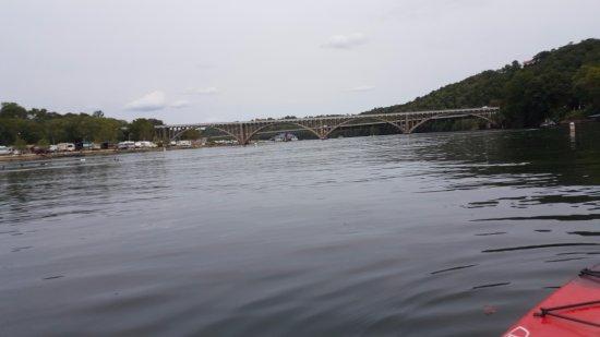 Hollister, MO : Just a calm kayaking trip
