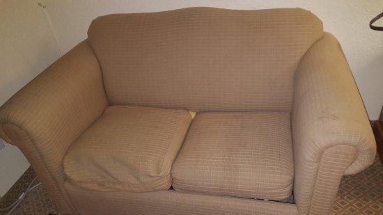 Days Inn by Wyndham San Antonio at Palo Alto: Couch
