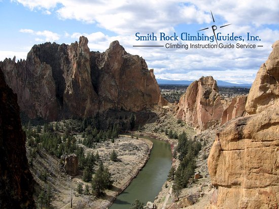 Terrebonne, Oregón: Climbers-eye view of Smith Rock State Park.  Taken from near the top of Ship Rock.