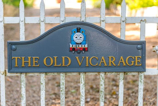 Ampfield, UK: Plaque on the vicarage gate of Thomas the Train just down the road from The Potters Heron
