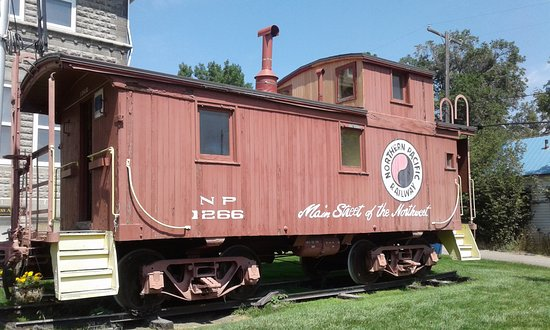 Livingston, MT: Caboose open to public