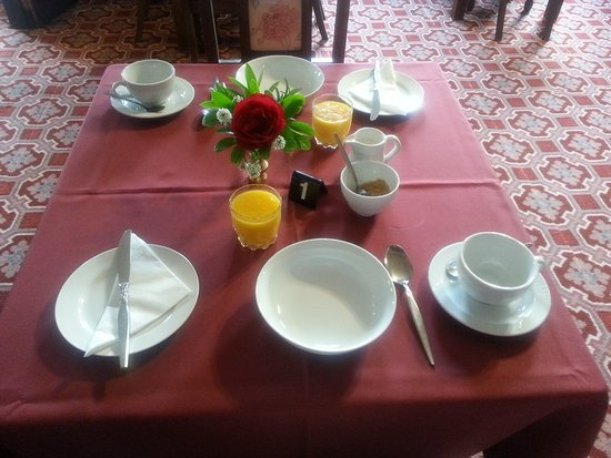 Bluff, Nueva Zelanda: Breakfast in the Foveaux Hotel dining room