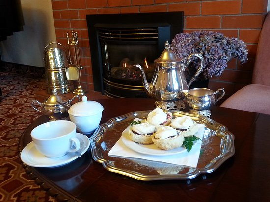 Bluff, New Zealand: Devonshire Tea with raspbery & cream scones