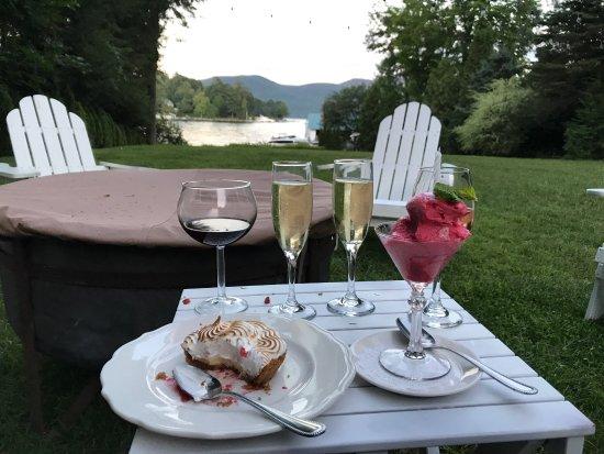 Chateau On the Lake: photo1.jpg