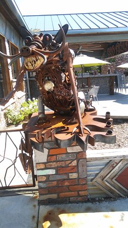 Lake Orion, MI: Pig metal art