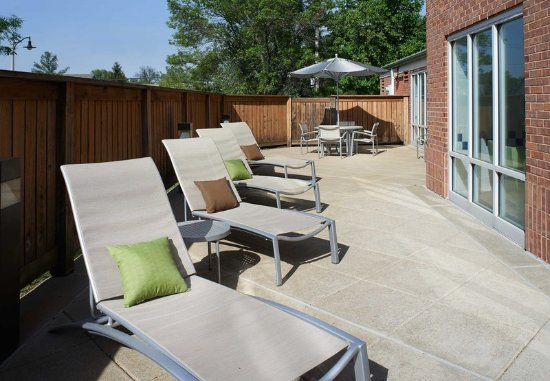 Chesterfield, MO: Outdoor Patio