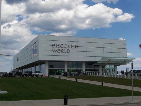 Wauwatosa, WI: Discovery World- Milwaukee Attraction