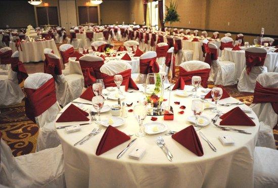 Wauwatosa, WI: Reception Area - Crowne Plaza Milwaukee West