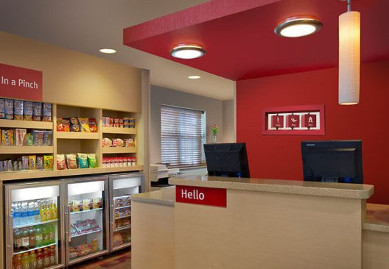 Englewood, CO: Front Desk & The Market