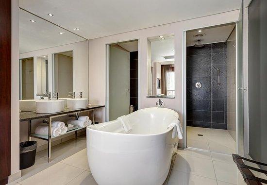 Kempton Park, Sudáfrica: One-Bedroom Suite - Bathroom