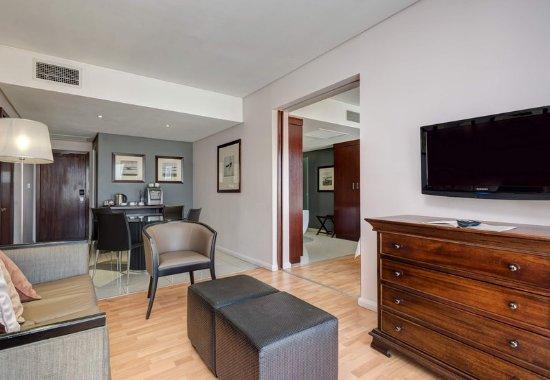Kempton Park, Sudáfrica: One-Bedroom Suite - Living Room