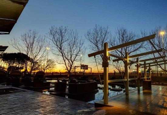 Πάρκο Kempton, Νότια Αφρική: Exterior