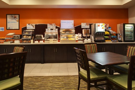 Holiday Inn Express Hotel & Suites New Tampa I-75 Bruce B. Downs: Breakfast Bar