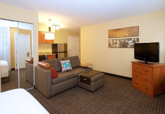 Kent, WA: Studio Suite
