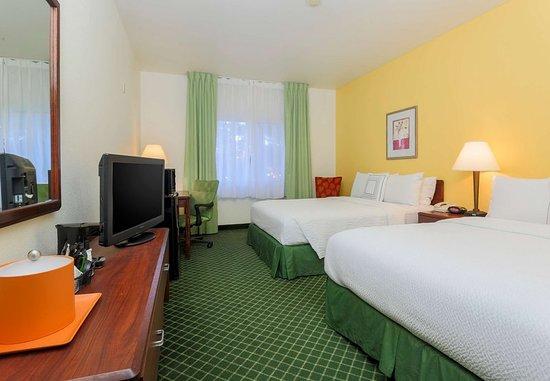 Tracy, CA: Queen/Queen Guest Room