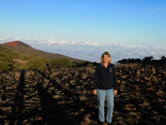 Mauna Kea Summit: clouds below